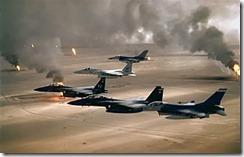 320px-USAF_F-16A_F-15C_F-15E_Desert_Storm_edit2