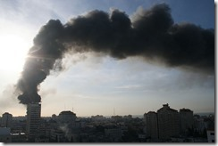 800px-UN_Compound_Burns_-_Flickr_-_Al_Jazeera_English