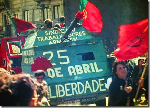 25_Abril_1983_Porto_by_Henrique_Matos_01
